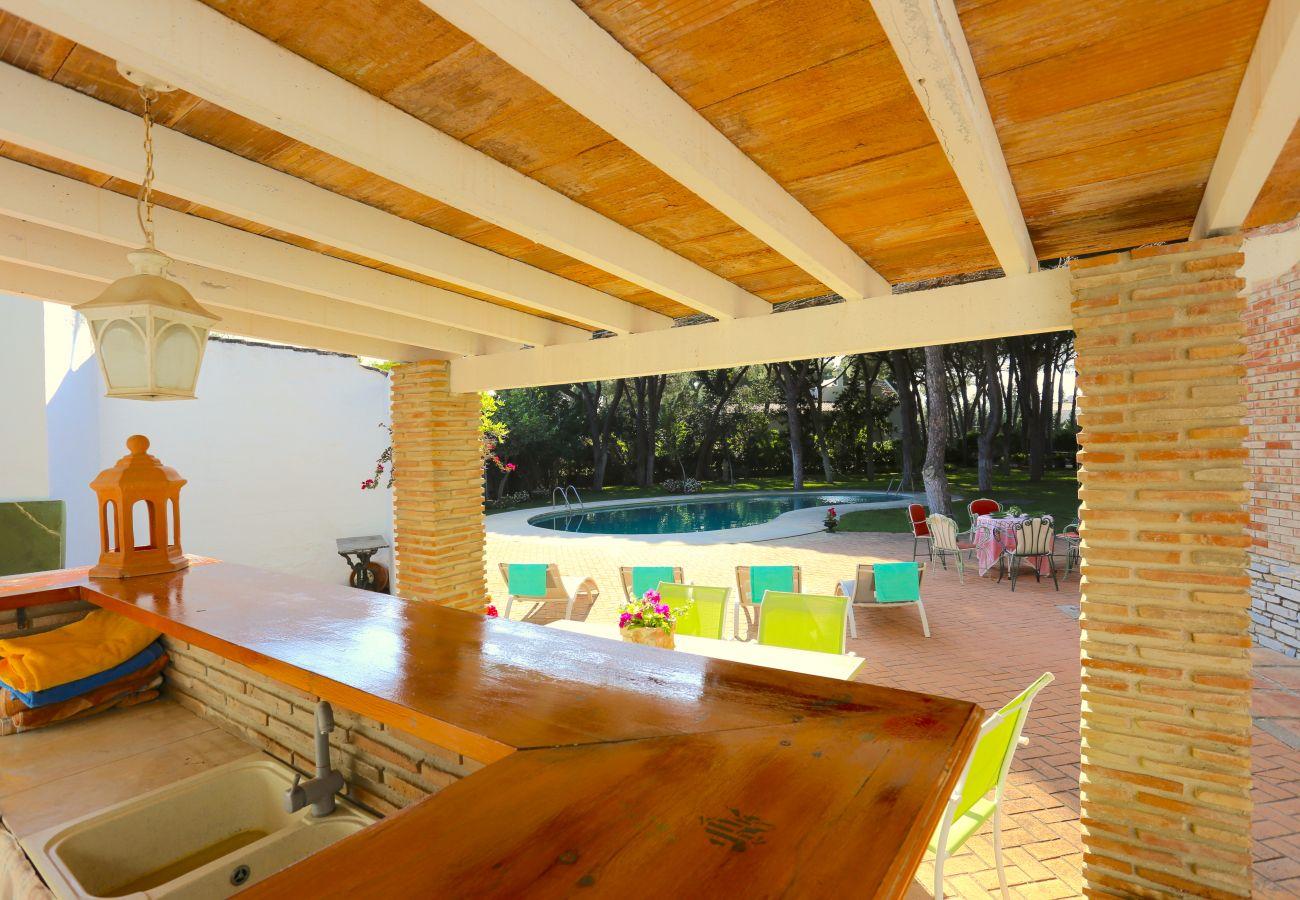 Chalet en Marbella - VILLA CABOPINO Beachfront 12PAX