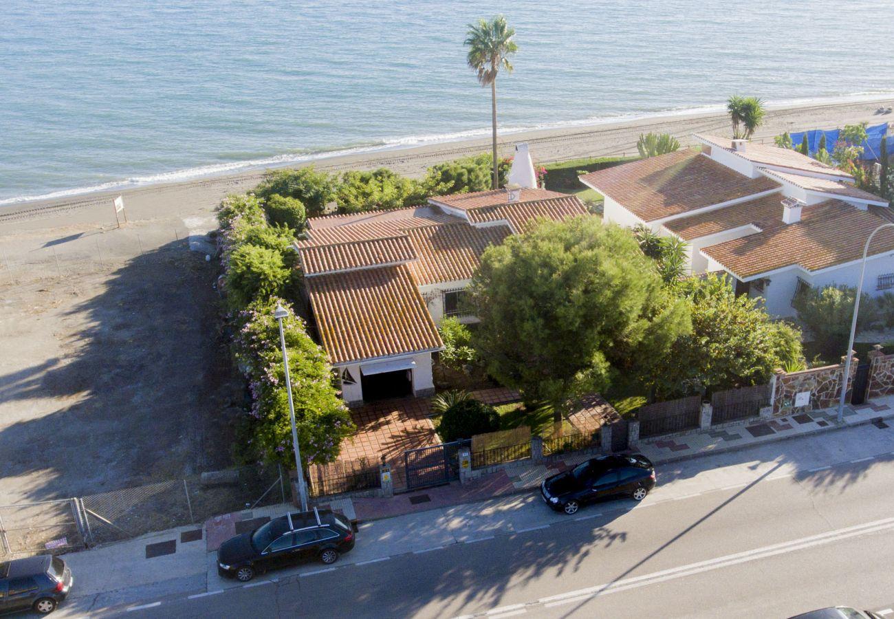 Villa en Rincón de la Victoria - VILLA ALBORAN Beachfront 9PAX
