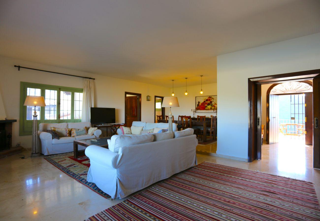 Villa en Alhaurin de la Torre - LAS BREÑAS Premium Rural Villa 4PAX